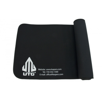 Puškařská podložka PVC-CLMAT01 UTG-Leapers Universal Firearm Cleaning Mat / 35.5x132 cm